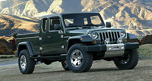 Jeep 2014 Gladiator Gladiators ready: Jeep is seriously considering making something like the 2005 Gladiator concept a reality within three years.