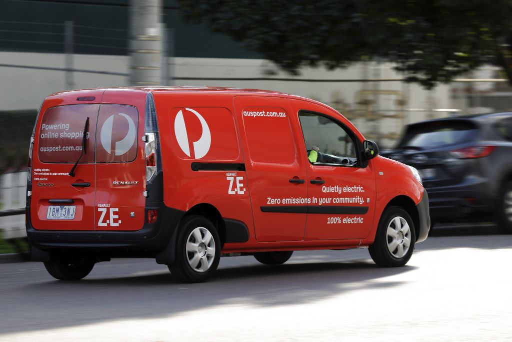 eb20de16dc Renault provides four electric Postie vans