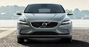 Volvo 2016 V40 Hammer down: The new face of Volvo's V40 small car includes grille and headlight designs introduced on the company's new flagship '90' models.