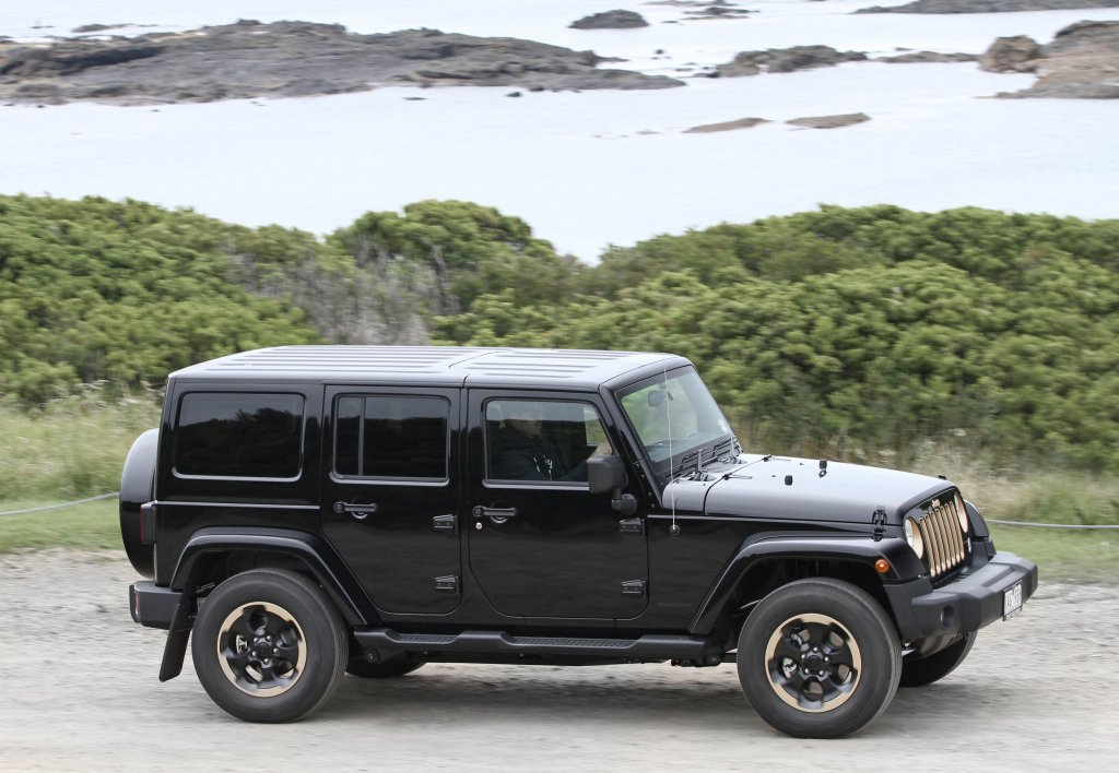 Jeep Wrangler Dragon Limited Edition Reviews | Pricing | GoAuto