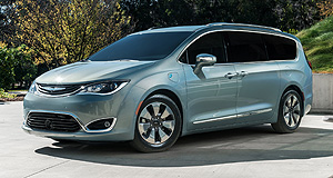 Chrysler 2016 Pacifica Over the ocean: In the United States the Pacifica will be offered with a Pentastar V6 engine and a hybrid powertrain.