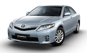 2010 Toyota Camry Hybrid sedan range Car Review