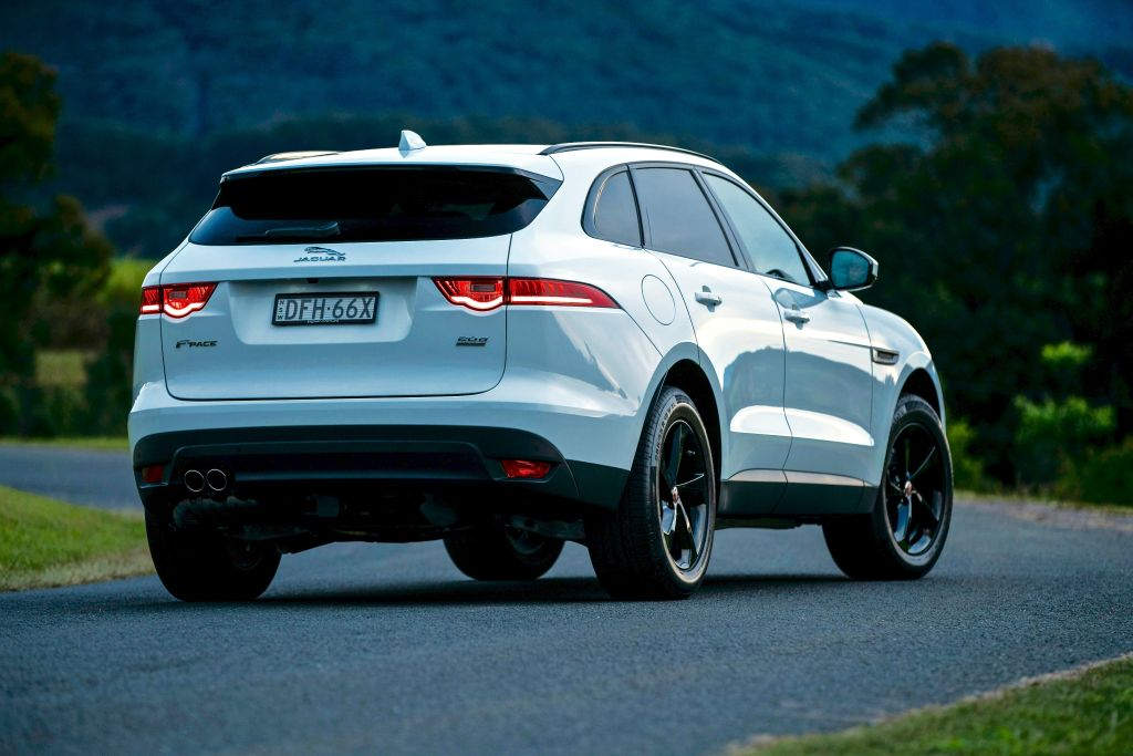 jaguar f pace 20d prestige reviews our opinion goauto. Black Bedroom Furniture Sets. Home Design Ideas